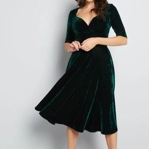 Modcloth Vixen Match Velvet Midi Cocktail Dress 6